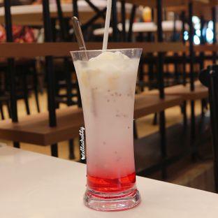 Foto 4 - Makanan(Kelapa muda selasih drink) di Chop Buntut Cak Yo oleh Stellachubby