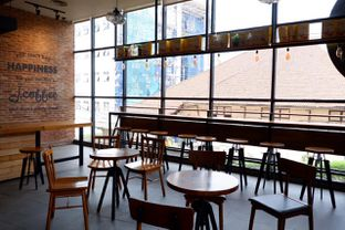 Foto 12 - Interior di J.CO Donuts & Coffee oleh yudistira ishak abrar