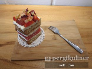 Foto 1 - Makanan(Watermelon Cake) di Coffee Cup by Cherie oleh Selfi Tan