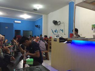 Foto 8 - Interior di Perang Kerang - Barbarian Seafood House Restaurant oleh gheasami