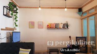 Foto 7 - Interior di Elmakko Coffee oleh UrsAndNic