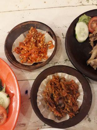 Foto 5 - Makanan(Sambel korek, sambel belut) di Penyetan Cok oleh Ayu  Esta