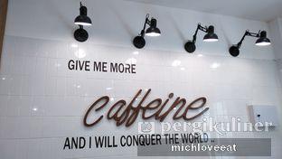 Foto 7 - Interior di District 7 Coffee oleh Mich Love Eat
