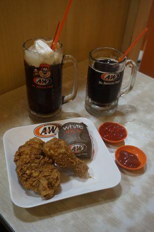 Foto 9 - Makanan di A&W oleh yudistira ishak abrar