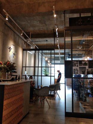 Foto 1 - Interior di Phos Coffee oleh Ong Eng Say
