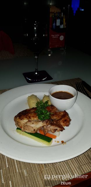 Foto 4 - Makanan di Sky Lounge - Hotel Grand Mercure Harmoni oleh @teddyzelig
