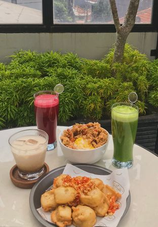Foto - Makanan di New Lareine Coffee oleh @qluvfood