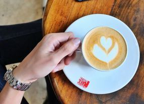 Suka Minum Kopi? Ini Manfaat Kafein Kopi untuk Tubuh Kamu