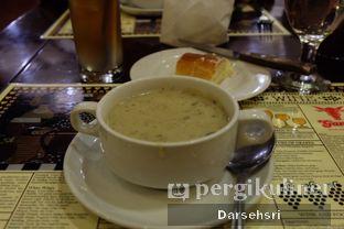 Foto 4 - Makanan di Gandy Steak House & Bakery oleh Darsehsri Handayani