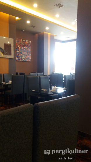 Foto 9 - Interior di Beauty Hotpot Restaurant oleh Selfi Tan