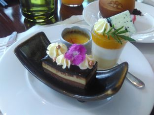 Foto 7 - Makanan(Tiramisu) di Arts Cafe - Raffles Jakarta Hotel oleh Renodaneswara @caesarinodswr