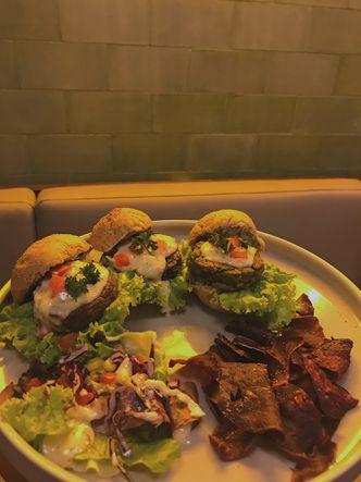 Foto Makanan di Burgreens Eatery