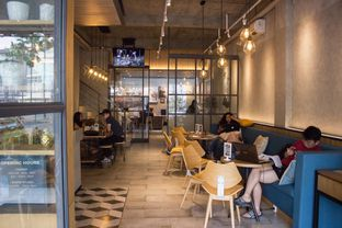 Foto 4 - Interior di Phos Coffee oleh joseline csw