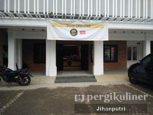 Foto 6 - Eksterior di Yellow Truck Coffee oleh Jihan Rahayu Putri