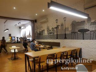 Foto 1 - Interior di Coffee Motion oleh Ladyonaf @placetogoandeat