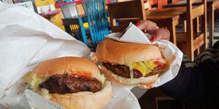 Foto 1 - Makanan di Burger Bakar Qebul oleh Pinasthi K. Widhi