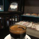 Foto Long Black di Dailydose Coffee & Eatery