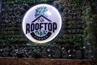 Foto 3 - Interior di De Cafe Rooftop Garden oleh eatwerks