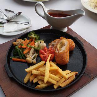 Foto 6 - Makanan di Maximo Resto & Garden - Puri Setiabudhi Residence Hotel oleh Chris Chan