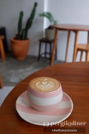 Foto - Makanan(Hot Latte) di Saturasi Kopi oleh Shella Anastasia