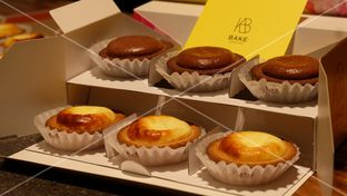 Foto review Bake Cheese Tart oleh Yummyfoodsid  2