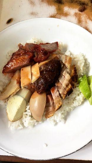 Foto 10 - Makanan(Nasi Campur Hainam) di Kopi Es Tak Kie oleh Riris Hilda