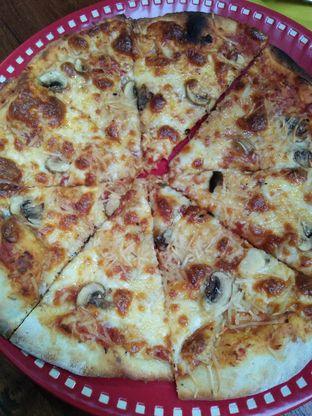Foto 2 - Makanan di Pittsa Lokal oleh Review Dika & Opik (@go2dika)