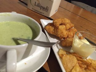 Foto 8 - Makanan(Brocoli Soup Fish and Chips) di Lilipadi oleh Sitta