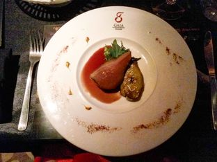 Foto 3 - Makanan(Foiegrass, poached pear in Barolo wine) di Gaia oleh Clara Yunita