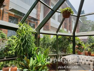 Foto 5 - Interior di The Potting Shed - The House Tour Hotel oleh JC Wen