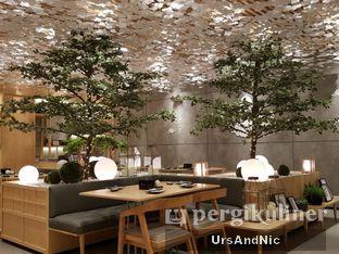 Foto 7 - Interior di Sushi Hiro oleh UrsAndNic