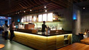 Foto 2 - Interior di Starbucks Coffee oleh Fadhlur Rohman