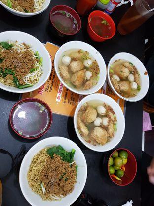 Foto 5 - Makanan di Bakmi Aliang Gg. 14 oleh eleonoraD