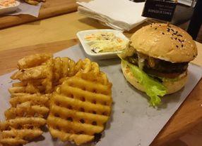 Yuk Nyobain Lima Burger Enak di Kemang untuk Jajanan Sore Kamu
