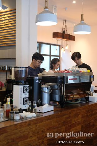Foto 6 - Interior di SRSLY Coffee oleh EATBITESNAP // Tiffany Putri