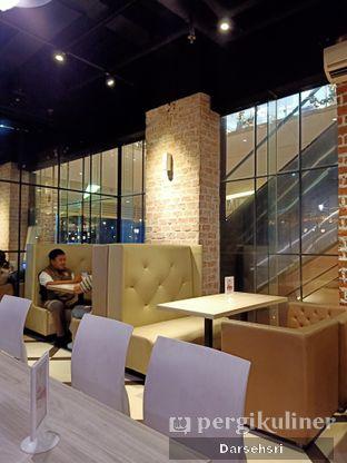 Foto 4 - Interior di AH Resto Cafe - Hotel Ibis Budget Jakarta Cikini oleh Darsehsri Handayani