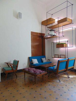 Foto 2 - Interior di Work Coffee oleh doyan kopi