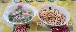 Foto - Makanan(Bakmi Ayam) di Mie Ayam Acing oleh Velvel