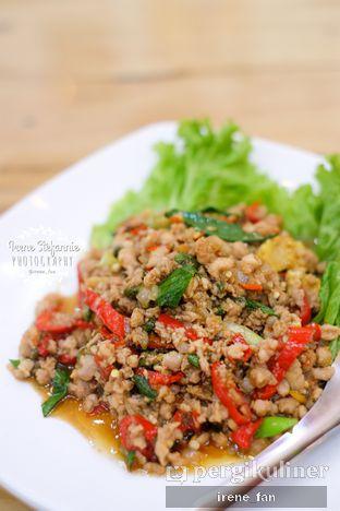Foto 3 - Makanan(Thai Minced Chicken Basil) di Bolan Thai Street Kitchen oleh Irene Stefannie @_irenefanderland