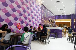 Foto 5 - Interior di Chatime oleh perutkarets