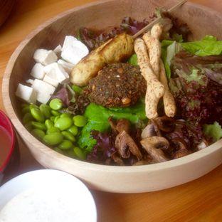 Foto 2 - Makanan(Custom Salad) di Greens and Beans oleh Dianty Dwi