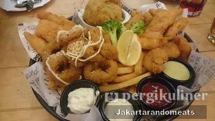 Foto 1 - Makanan di The Manhattan Fish Market oleh Jakartarandomeats