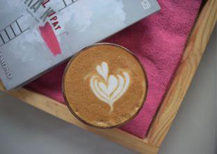 Foto 2 - Makanan(piccolo latte) di Logika Coffee oleh Andreas ( IG : ommakanom )