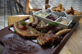 Foto 11 - Makanan di Bavarian Haus Bratwurst & Grill oleh yudistira ishak abrar