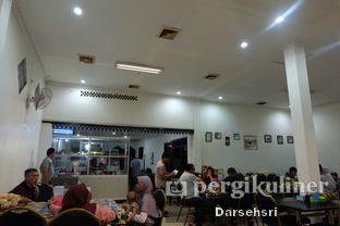 Foto 5 - Interior di Rumah Makan Betawi Dahlia oleh Darsehsri Handayani