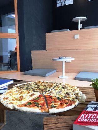 Foto 18 - Makanan di Sliced Pizzeria oleh Prido ZH