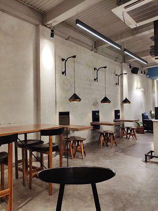 Foto 5 - Interior di Calibrate Coffee oleh inggie @makandll
