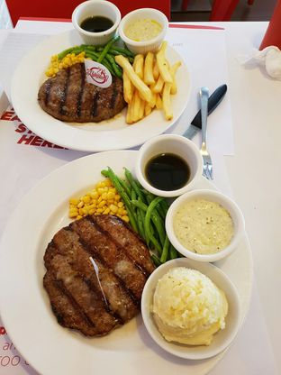 Foto 1 - Makanan di Holycow! STEAKHOUSE by Chef Afit oleh Theodora