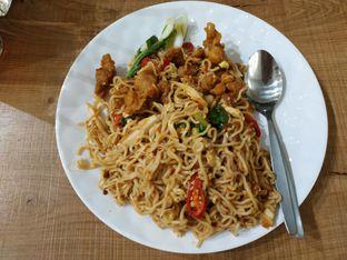 Foto 2 - Makanan(Mie Malay Ayam) di Gotri oleh Eveline Nathania