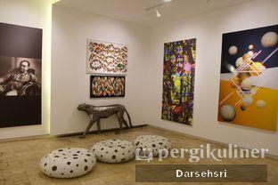 Foto 4 - Interior di Artivator Cafe oleh Darsehsri Handayani